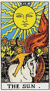 Солнце как всадник с флагом на карт Таро Уэйта